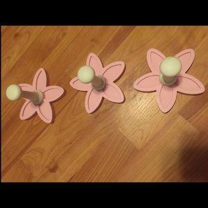 Pottery Barn 3 Flower Hooks